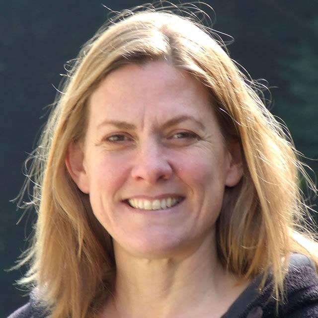 Dr Amy Plowman