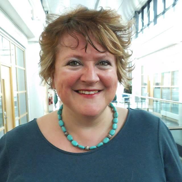 Dr Alison Carr