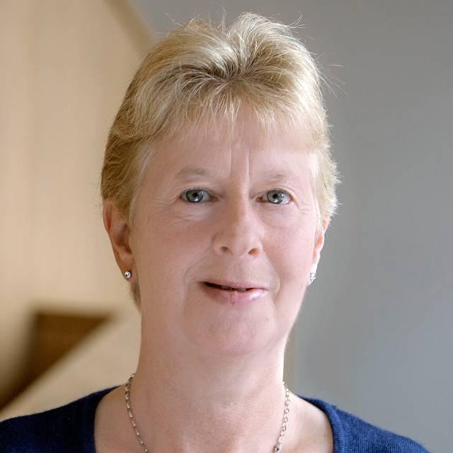 Mrs Jan Miller