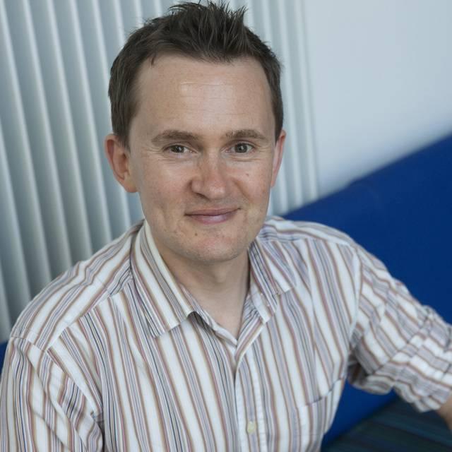 Dr Tom Nicholson