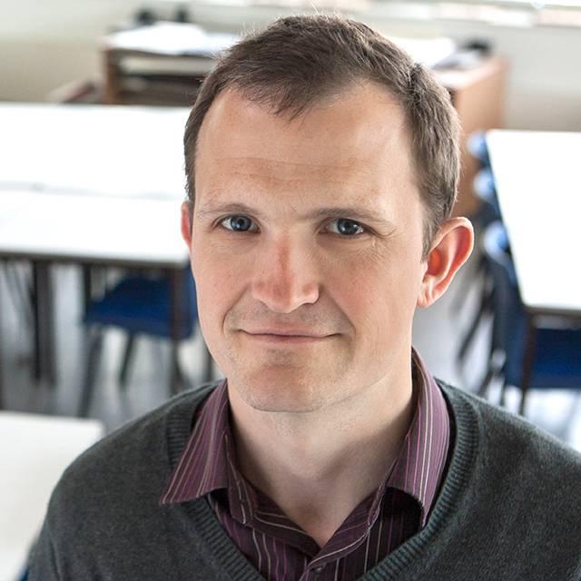 Dr Oliver Webb