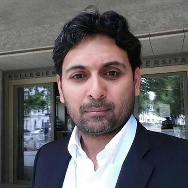Dr Nader Virk