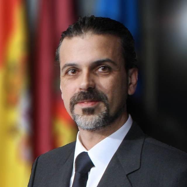 Dr Raul Martin Herranz