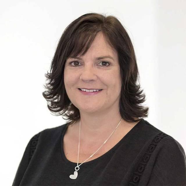 Miss Karen Ansell