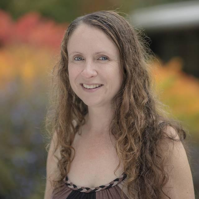Dr Lynne Callaghan