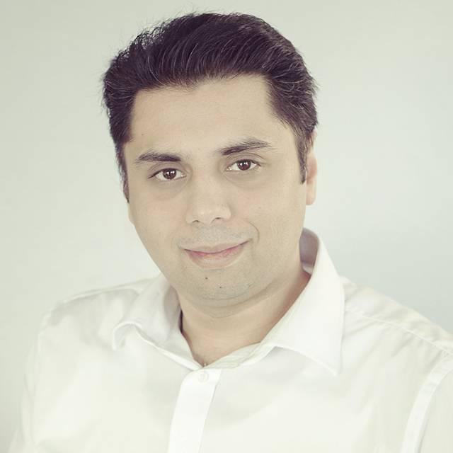 Dr Naveed Yasin