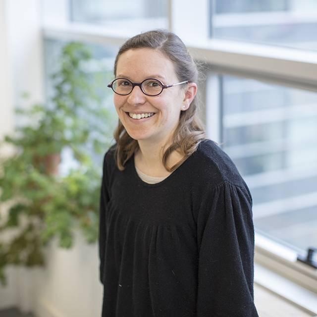 Dr Anne Plessis