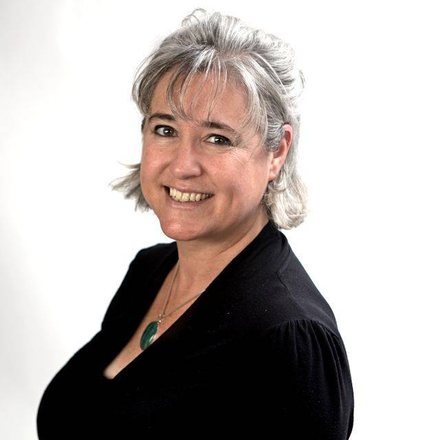 Ms Anna McKenna