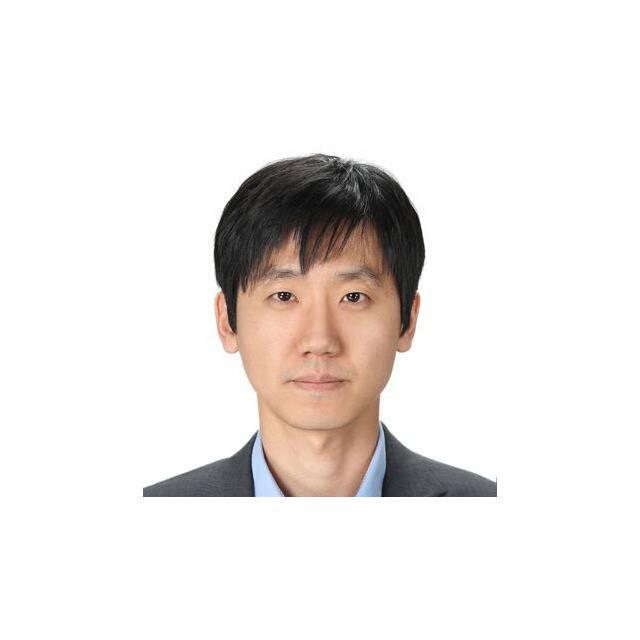 Dr Sung-Hwan Jang