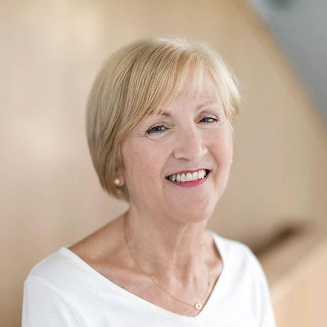 Mrs Hilary Williams
