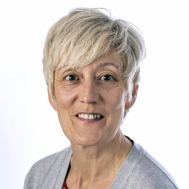 Dr Lisa Hayes