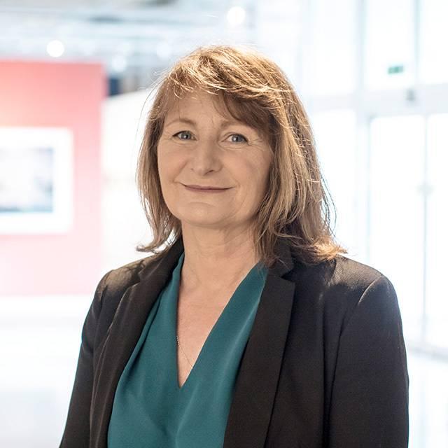 Mrs Nicola Wakeham