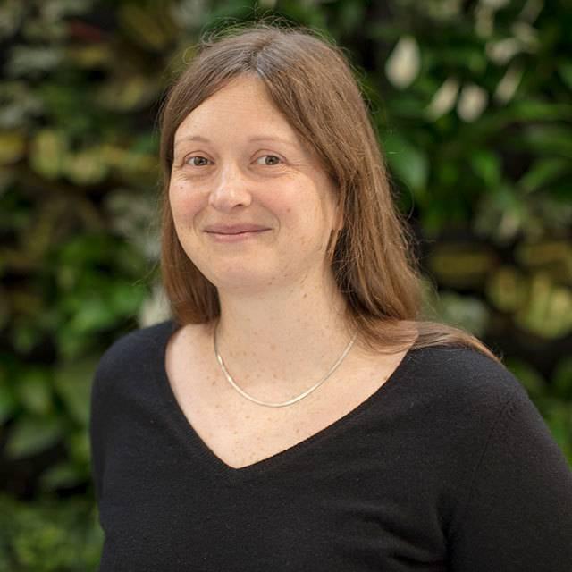Dr Lauranne Fauvet