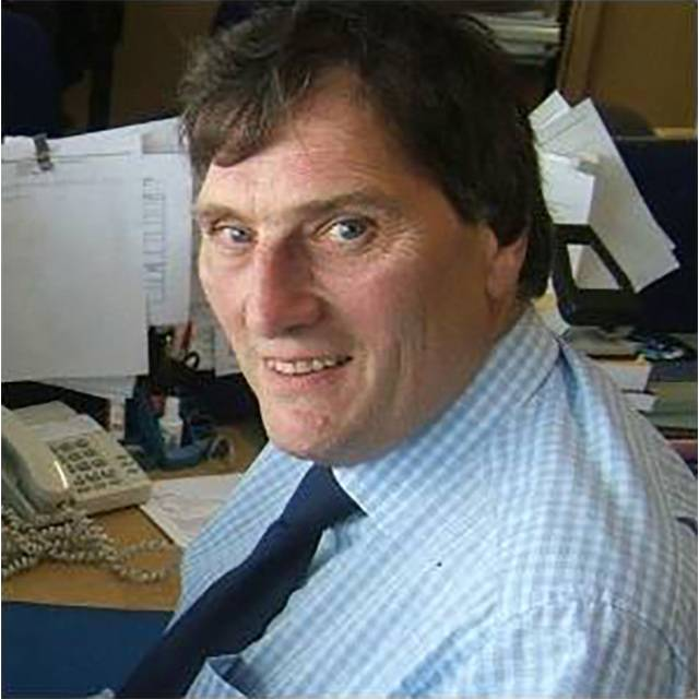 Mr Dennis Foster
